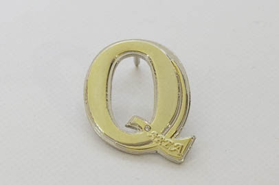 Dubbelläterad pin i både guld och silver